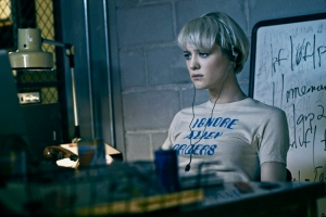 Mackenzie Davis as Cameron Howe - Halt and Catch Fire _ Season 1, Gallery - Photo Credit: James Minchin III/AMC