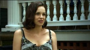 Tammy Blanchard as Izzy.