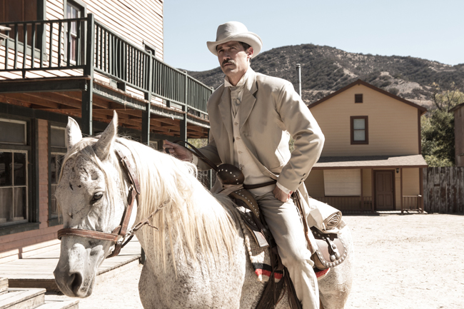 Matthew Fox in Bone Tomahawk.